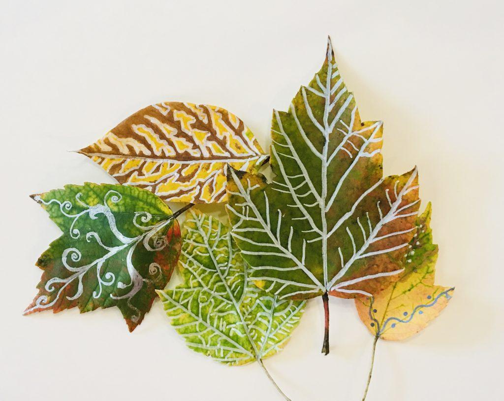 Gel pen art on leaves